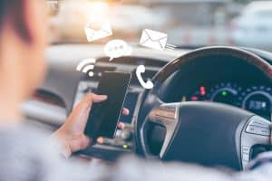 Using Handheld Devices while Driving Will Soon Be Illegal in Arizona